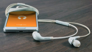 How to Listen Two Different Songs at a time in Headphones on Android
